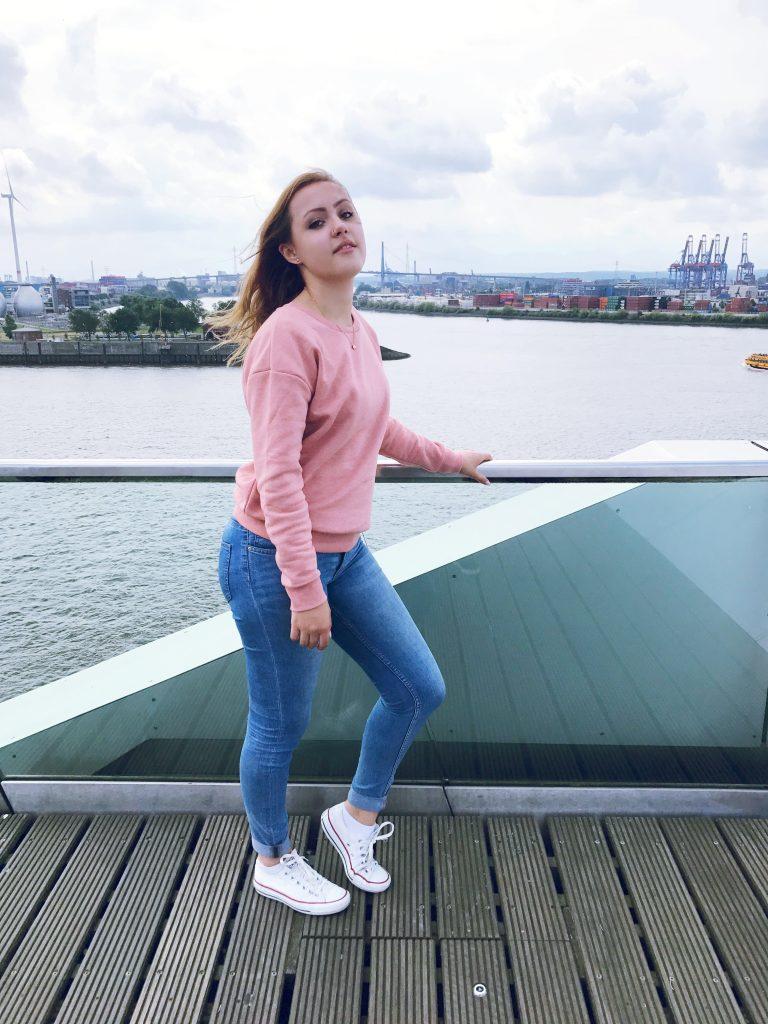 Outfit für die kälteren Sommertage- Hamburg Blog
