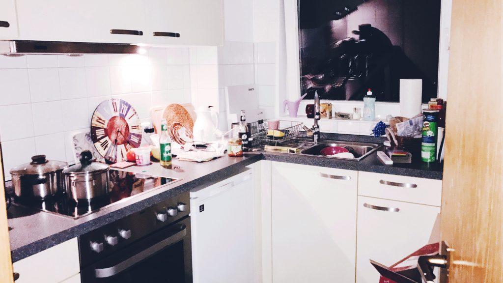 5 Dinge, auf die man achten muss, wenn man auszieht_Küche_Möbel